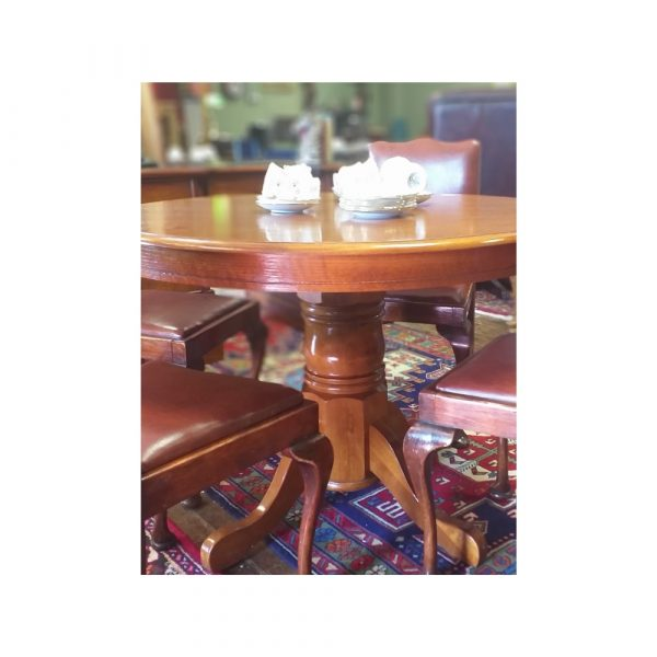 Solid Oak Circular Table on Pod with 4 Chairs